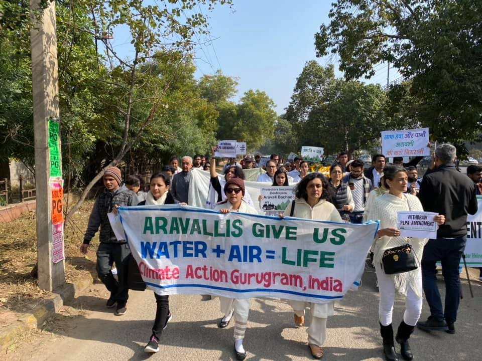 Citizens of highly polluted & water stressed cities of Delhi, Gurgaon in Indias National Capital Region have taken a sacred oath to #ProtectAravallis ,North Indias green lungs & water recharge zone which are hugely threatened by govt move to open these forests for real estate