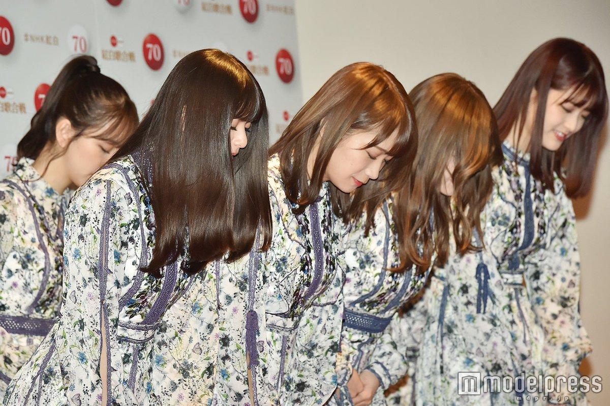 乃木坂46の美しさ、ここに極まれり…!!きれいに揃うお辞儀、つややかになびく髪。