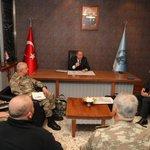 Image for the Tweet beginning: Bakan Akar, beraberinde Gnkur. Bşk.
