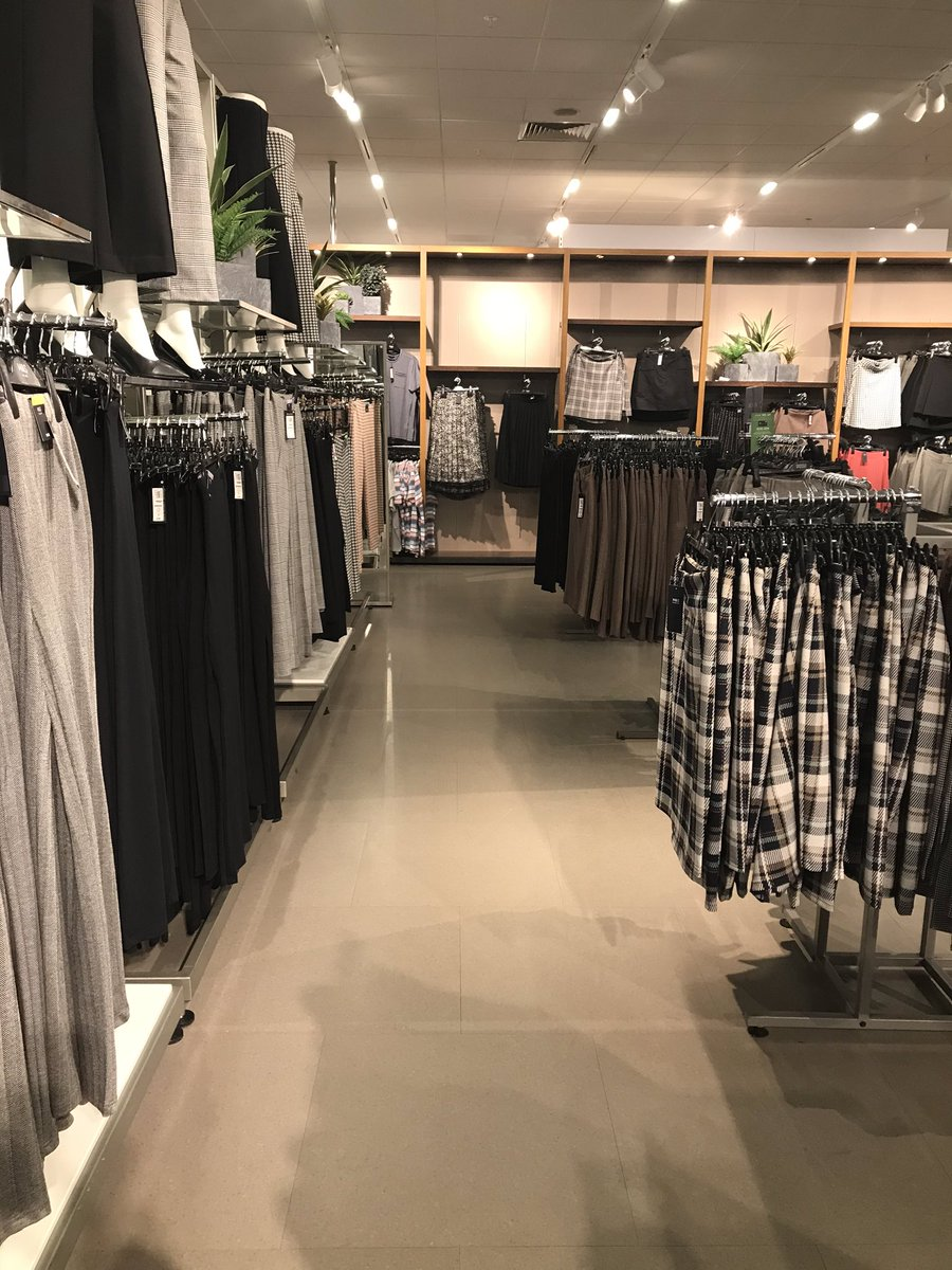 Taken short cut through @marksandspencer today - I was transported back in time to #BHS 🙄 #fashion