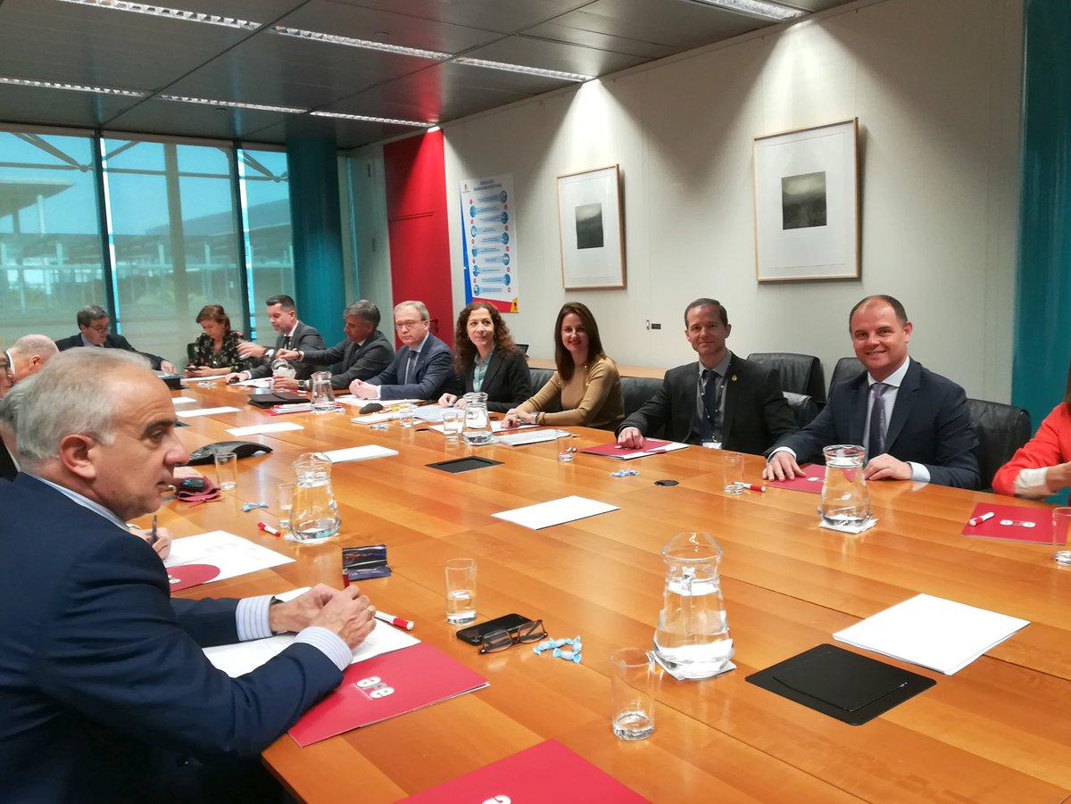 Hoy en la Asamblea de #AFE (Asociacion de Ferias Españolas) en @feriademadrid y de camino visitando @fitur_madrid @BesEditorial @publicbin @ComunidadMadrid @MADRID https://t.co/VNrUCHRiXN
