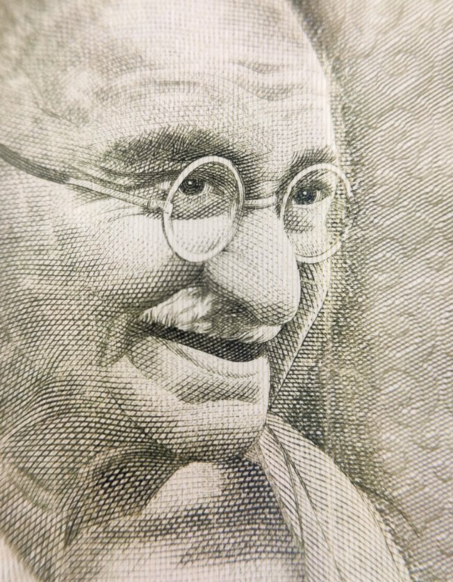 """""""Be the change you wish to see in the world"""" . . The first picture taken with my new  @skyviktech  macro lens!! #india #mahatmagandhi <br>http://pic.twitter.com/in1tQx2RJc"""