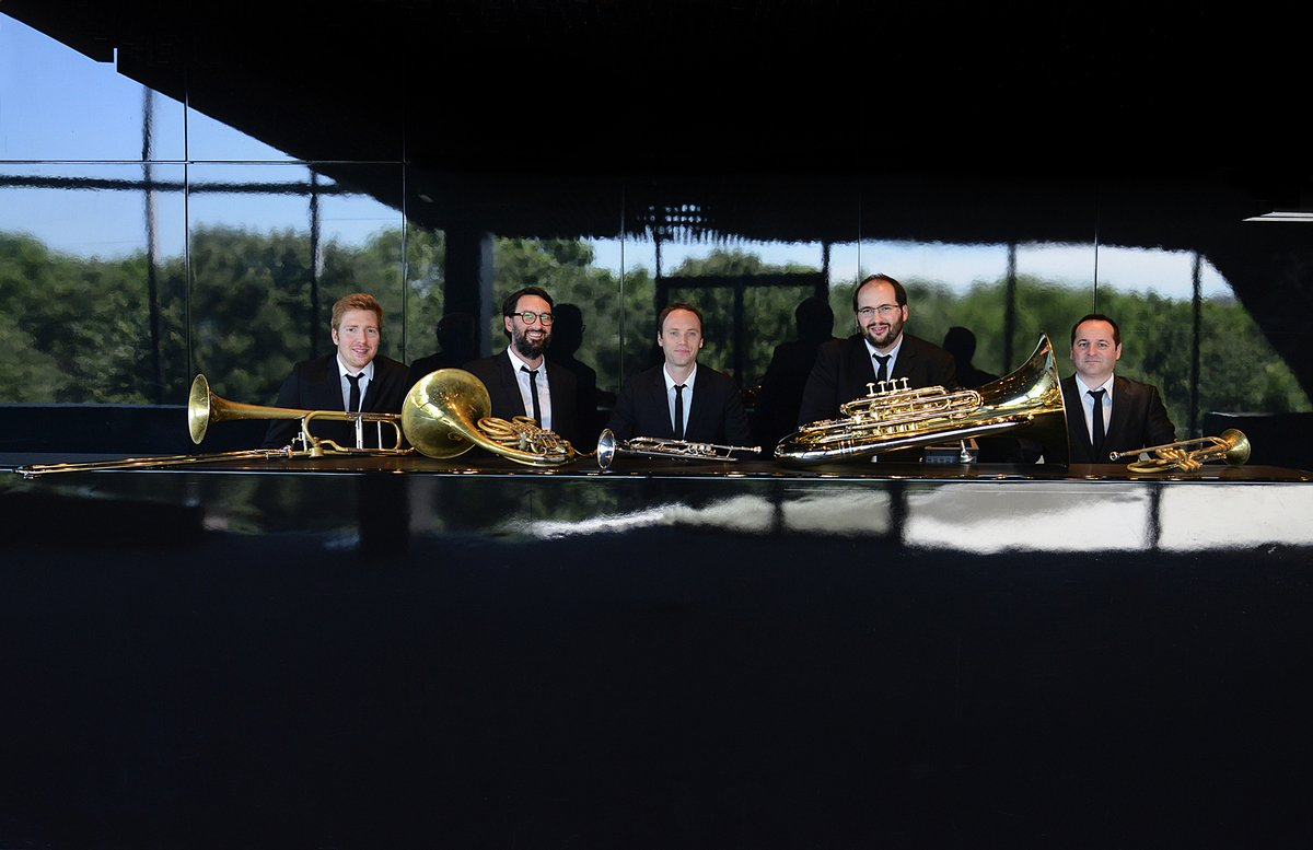 """Rendez-vous ce soir à l'espace culturel pour une soirée """"années dada"""" en compagnie du Paris Brass Quintet ! #musique #événement #concert #Lormont #BoisFleuri #Gironde #weekend #concours #spectacle https://t.co/fxVmCciV0b"""