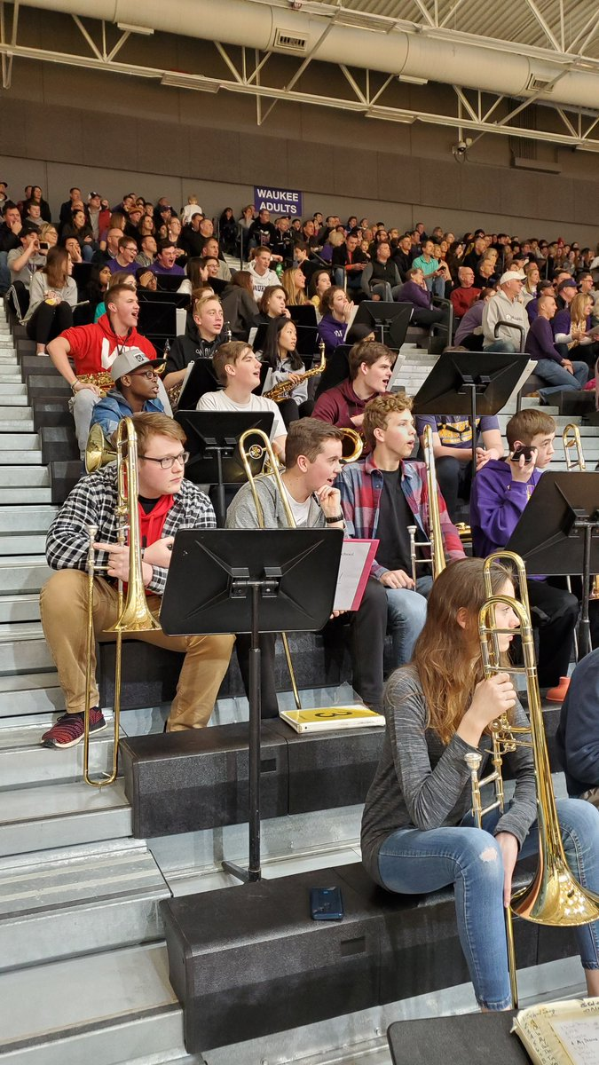 S/O to the @maestro50323 and the Waukee Pep Band for getting the Fieldhouse rockin' Friday night! Let's do it again on Tuesday!