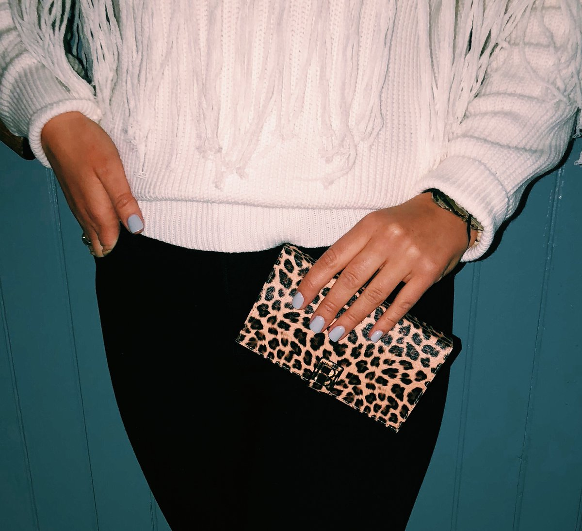 The perfect accessory for any outfit! #FIAC #onthego #busylifestyle #nightout #accessory #drinks #friends #beautyaccessory #fun #accessories #beautyblogger <br>http://pic.twitter.com/oUZaAcP1nV