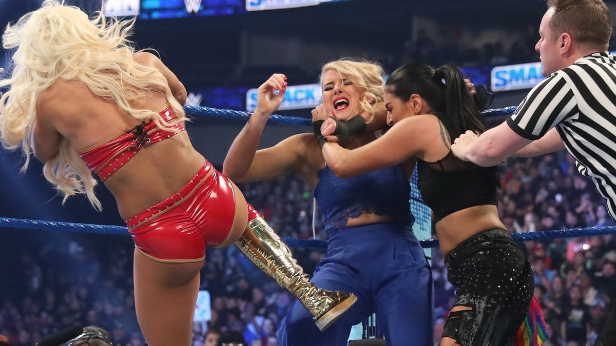 The animosity between @itsBayleyWWE & @LaceyEvansWWE could not be contained on #SmackDown! What will happen when the two face off TONIGHT at #RoyalRumble?