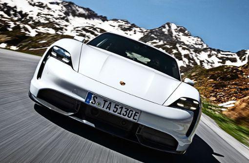 Porsche Super Bowl Werbespot: Fast and Furios in Zuffenhausen http://bit.ly/2TYykPEpic.twitter.com/bHQPs370jR