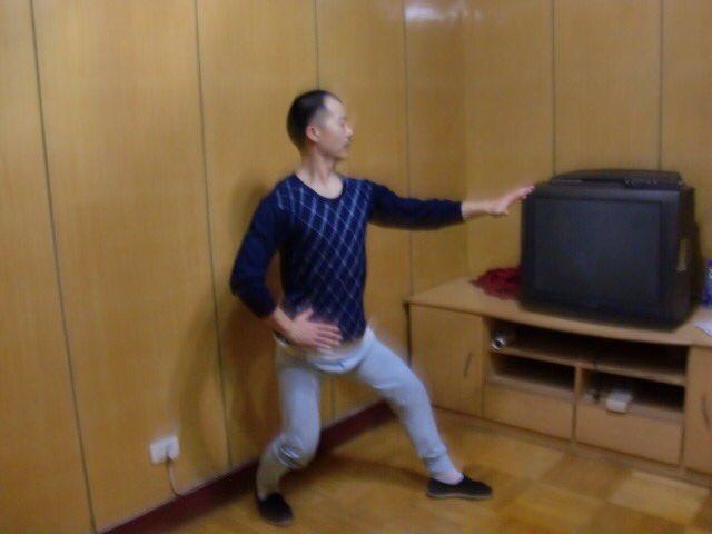 Shifu Changrong performing Xingyi base form / 形意拳 三体式in 2010 #xingyi #xingyiquan #martialarts #kunfu #chinesemartialarts #martailartstraining #martialartslife #santishi #internalmartialarts #chineseinternalarts #chineseinternalmartialarts #chineseinternalboxingpic.twitter.com/dlnpoISW83