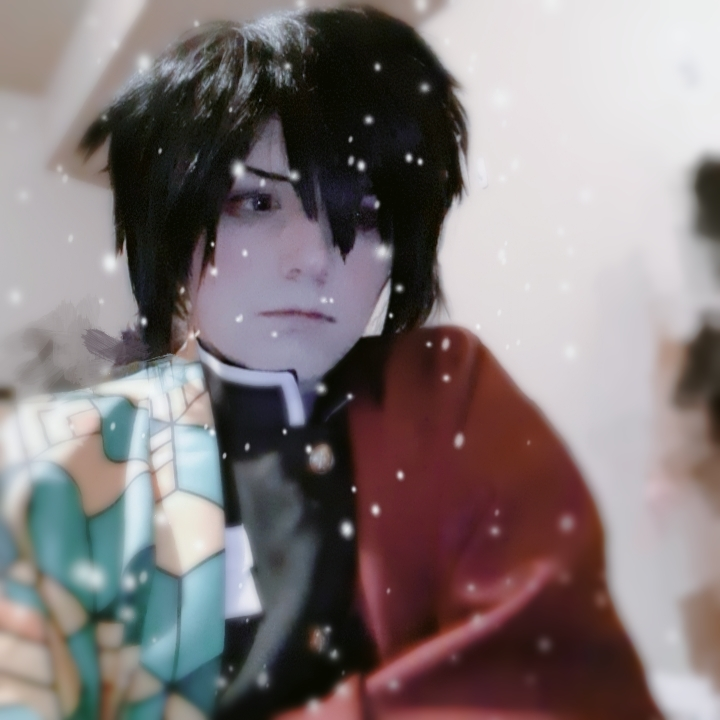 𝙎𝙪𝙥 𝙙𝙚𝙢𝙤𝙣𝙨. 𝙄𝙩'𝙨 𝙢𝙚, 𝙮𝙖 𝙗𝙤𝙮  Sorry about the amazing quality of my stellar room.(´ー∀ー`) #demonslayer #giyuu #giyuucosplay #demonslayercosplay #kimetsunoyaiba #cosplay #cosplayer #coolcosplay #cosplayselfiepic.twitter.com/a9eeSFtsl0