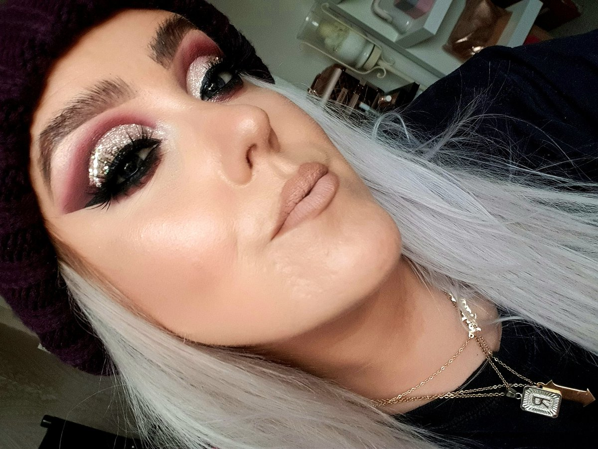 Stay strong young grasshopper   Appointments and lessons available please message to book   #eyeconic #itslit #glitter #makeupartist #beautyblogger #mua #manchester #beautyblog #ukmua #makeupartistmanchester #manchestermua #manchestermakeupartist #salfordmua #manchestermakeup<br>http://pic.twitter.com/N0fdDhftKR