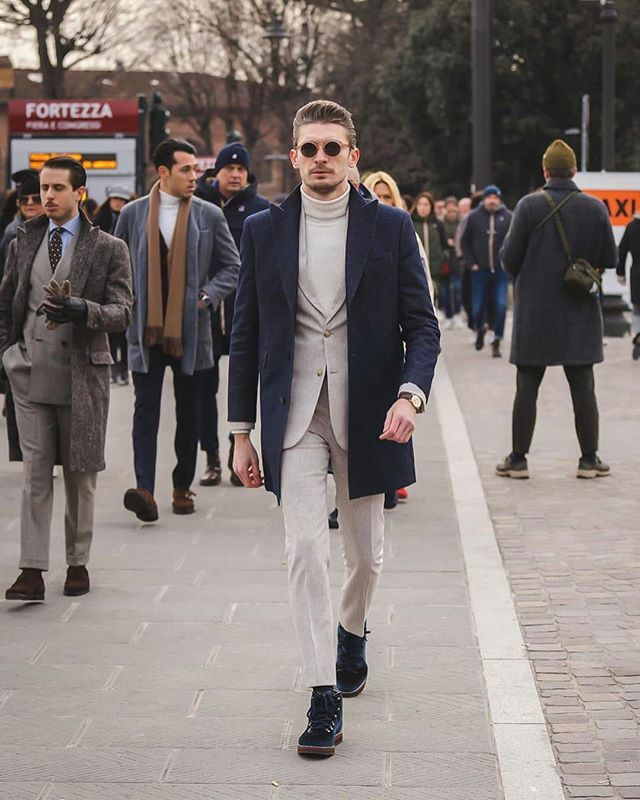 One of the best dressed at Pitti Uomo #pu97 #outfit #ootd #outfitoftheday #picoftheday #gents #gentlemen #instafashion #bespoke #mtm #tailor #menswear #menfashion https://Hockerty.com pic.twitter.com/A4PRV8TO15