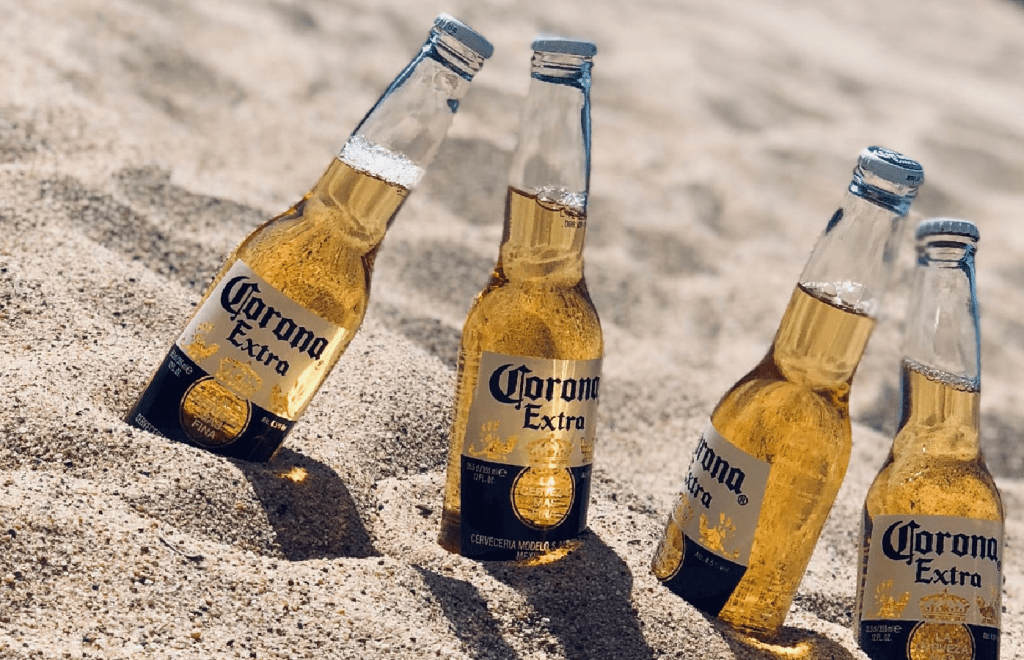 """Local Mexican Restaurants Offering """"Twofers"""" On Corona Beers To Assure White People It's Still Safe To EatThere  https:// thesiouxfallsheadliner.com/2020/01/25/loc al-mexican-restaurants-offering-twofers-on-corona-beers-to-assure-white-people-its-still-safe-to-eat-there/  … <br>http://pic.twitter.com/BX3gXc3yn4"""