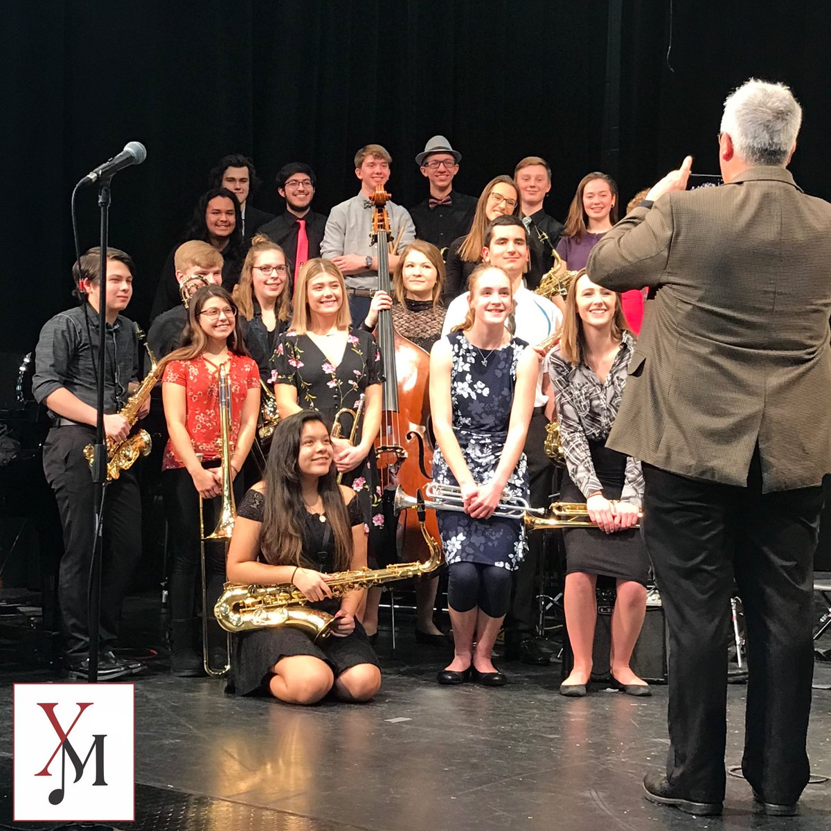 Concerts and photo ops go hand in hand  - At Thursday night's concert, our music instructors and parents were capturing the smiles of our jazz musicians - #Y115Music #JazzBand #FoxPridepic.twitter.com/qBchaR1ya7