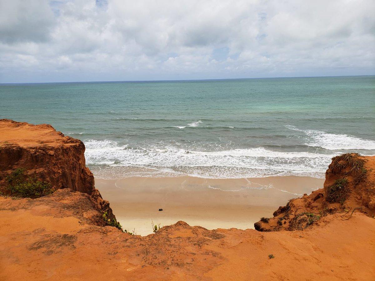 #Praiadomadeiro #praiadogiz #TibaudoSulRN Um lugar lindo pra conhecer no RN.pic.twitter.com/JhbdjIjlGY