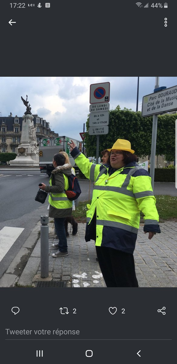 #YellowVests are assholes <br>http://pic.twitter.com/RpQ1GtHhQF