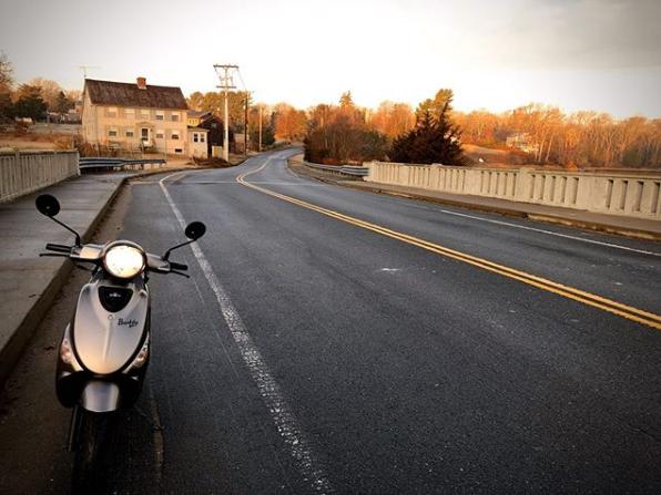 Empty back roads make for the best weekend rides. Photo: @kevinrod1983 #genuinebuddy #buddy50 #buddy125 #buddy170 #backroads #openroads #genuinescooter #genuinescooters #scooter #scooters #scootscoot #scootlife #scooterlife #twowheels #fun #adventurepic.twitter.com/b8FuOR230b