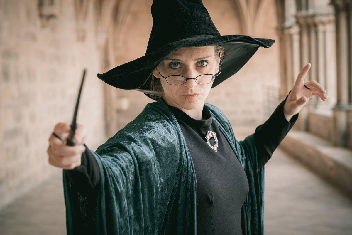 Minerva McGonagall  Cosplay : Pandora Clemy Creation (IG : @clemysnow)  © Meja Mathieu http://www.mejamathieu.com #Cosplay #HarryPotter #HarryPotterCosplay #McGonagallCosplay #FrenchCosplay #FrenchCosplayer #CosplayPhotography #Fujifilm #FujifilmFrance #FujifilmEuropepic.twitter.com/stVsBST1Ch