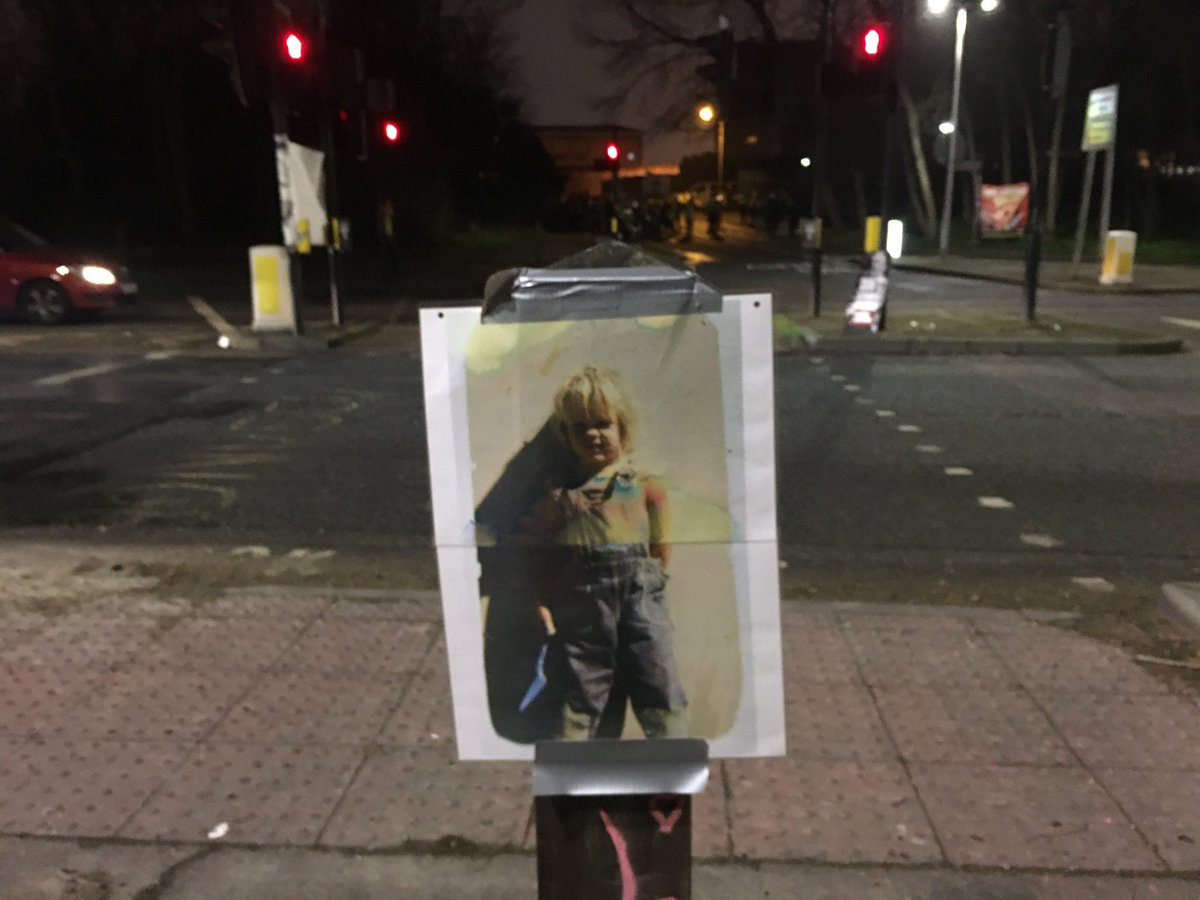 He is someone's son He is someone's father #FreeJulianAssange tonight at Belmarsh prison Thank you #YellowVests <br>http://pic.twitter.com/ygPnqxxNXi