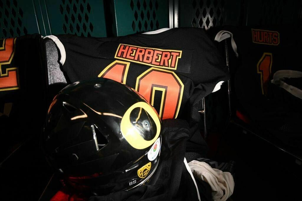 You know  is ready.   @seniorbowl | #GoDucks <br>http://pic.twitter.com/tQn7sOBnFf