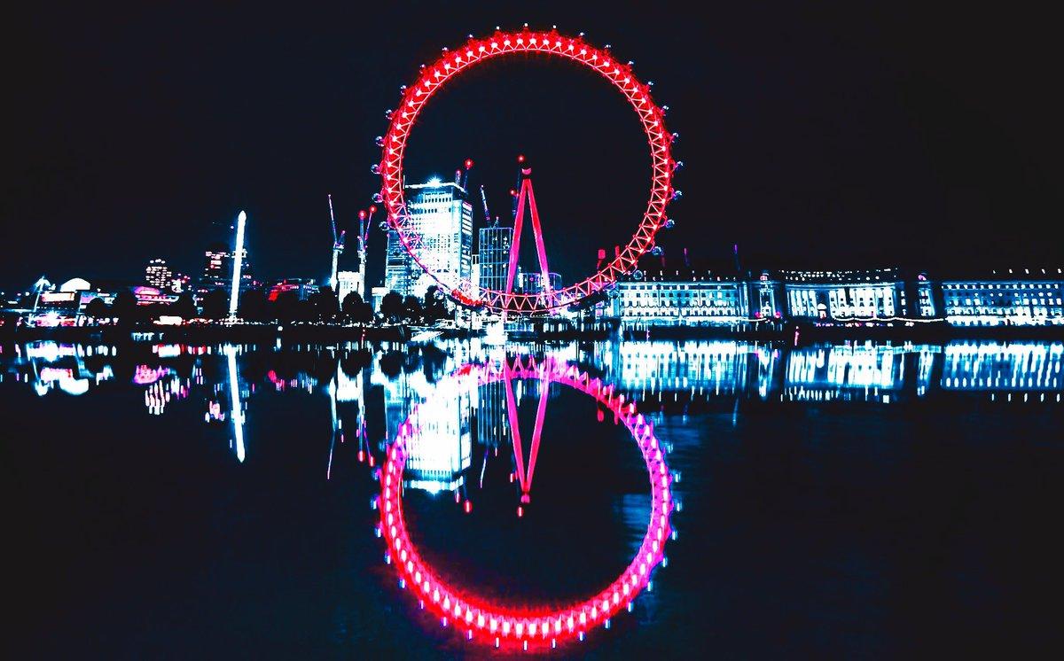 London Eye Reflections.  <br>http://pic.twitter.com/dl4YEfG5Kv