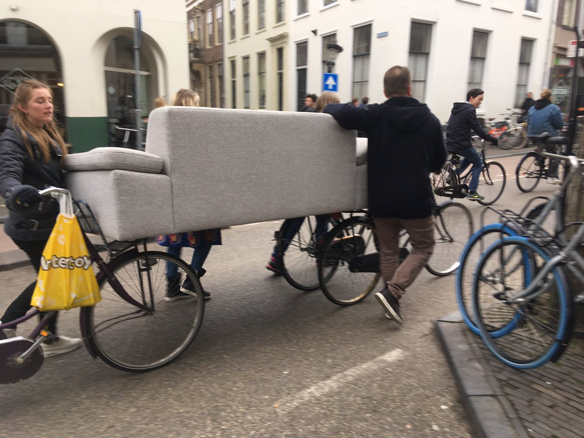 RT @tochveel: Moving a sofa Dutch-style in the bicycle capital of the world, Utrecht, NL. https://t.co/1LtdoM5Sbz