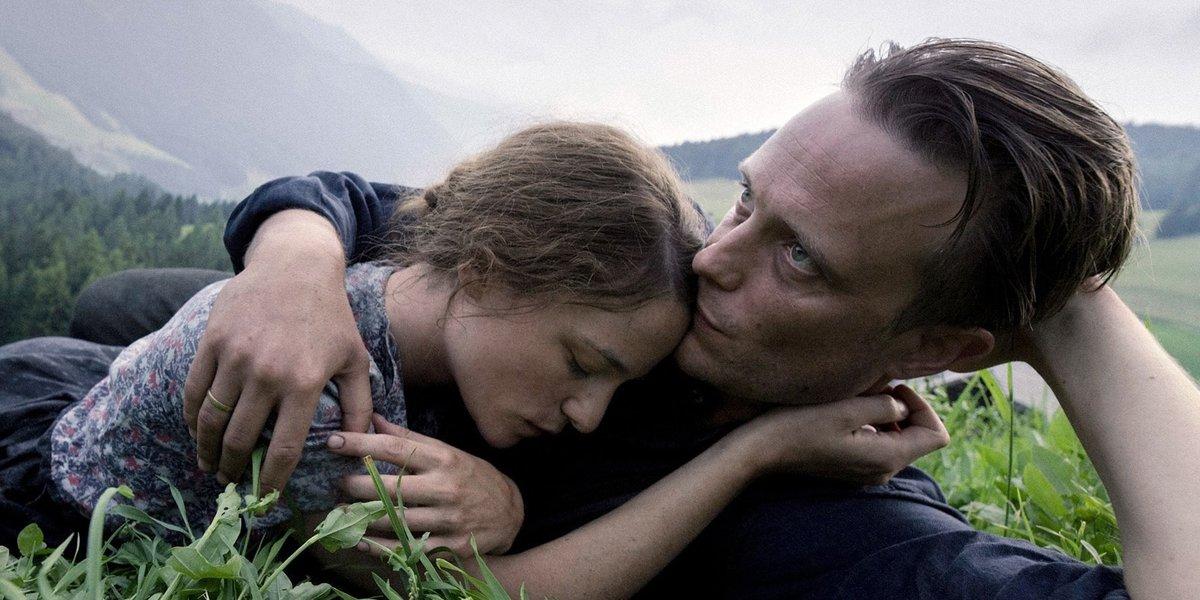 Cine - Adelantos - Una Vida Oculta (A Hidden Life), de Terrence Malick (@AHiddenLifeFilm/ #AHiddenLife/ #UnaVidaOculta/ #TerrenceMalick/ #AugustDiehl/ #ValeriePachner/ #FranzJägerstätter) - Un juramento imposible - Por Martín Chiavarino http://metacultura.com.ar/un-juramento-imposible/…pic.twitter.com/ZqPu3U81M3