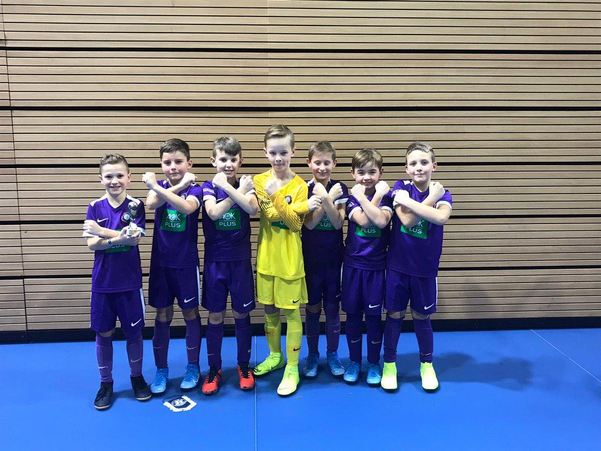 #AueU10 Unsere kleinen Veilchen belegen beim SFK Hallencup in Dresden den 8. Platz. Wir gratulieren den #Soccerforkids zum Turniergewinn. pic.twitter.com/Q5HlRRl3PO