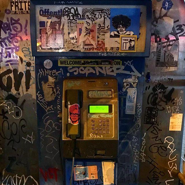 Call me  KAMO CR3W posted up #pinkadam #stickerslap #stickerslaps #stickerbomb #stickerart #ladontplay #streetarteverywhere #adamclayton #urbanwalls #graffiti #graffitiart #instagraff #urbanart #streetart #streetartdaily #streetphotography #artderue #slap #berlin #streetar…pic.twitter.com/lK7UrSktc8
