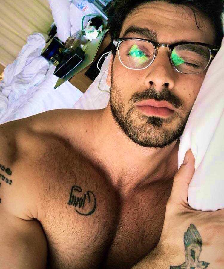 this man   Italian, tattoos, beard, SEXY AF, glasses, sings, dances, acts....  He's literally the whole damn PACKET!  #365dni <br>http://pic.twitter.com/Se2KIb1VVH
