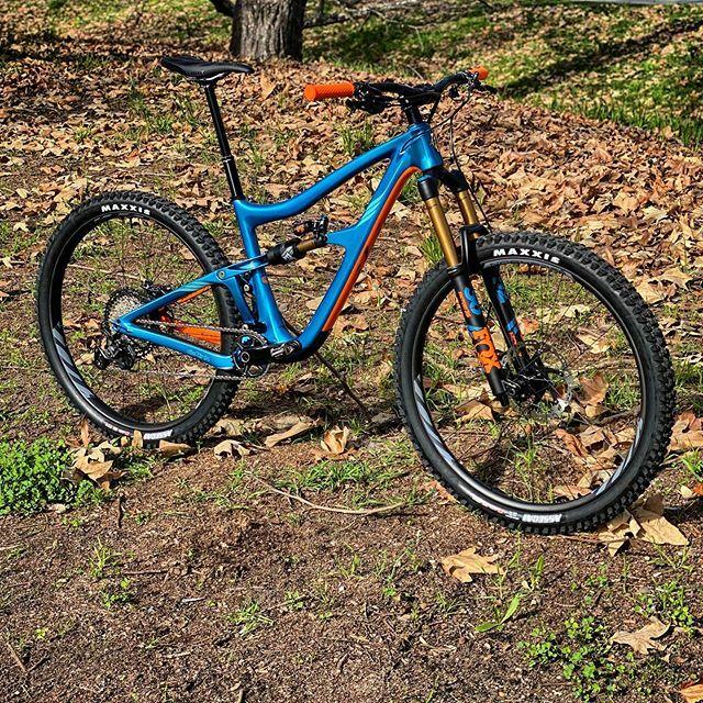 Sexy beast! @ibiscycles #ibis #ibisripmo #ripmo #mtb #mountainbike #torogrind https://ift.tt/3aG6X2Npic.twitter.com/HkFCfIjin6