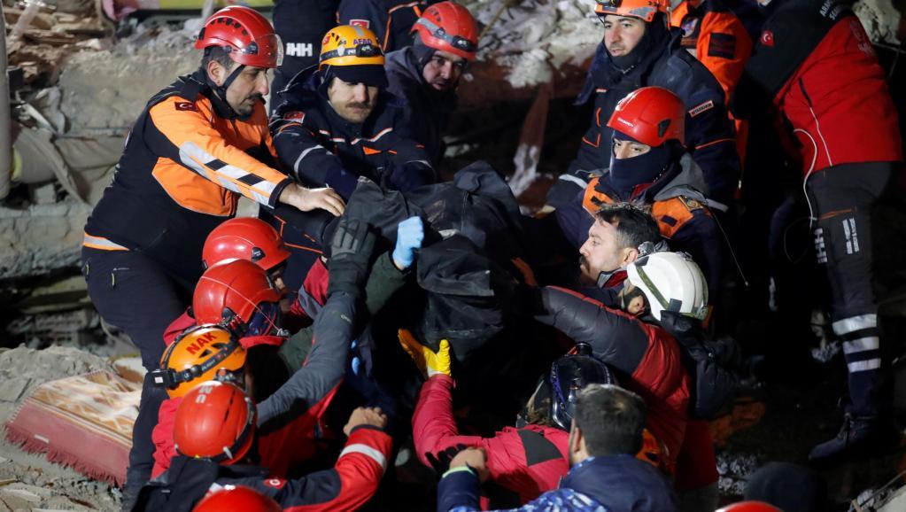 土耳其強震死亡人數升至29人1500人受傷 https://rfi.my/5Fv4.t