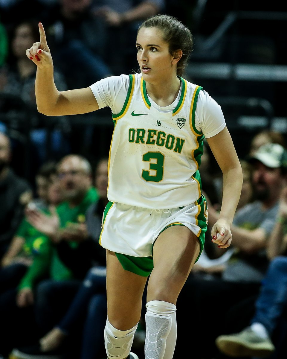 Young guns gettin' it done.  Taylor Chavez leads the Pac-12 with a 47.2 three-point shooting percentage, and Jaz Shelley is No. 3 at 43.7. #GoDucks   @Taylormichele3 | @JazShelley<br>http://pic.twitter.com/BLN3XP7IkT
