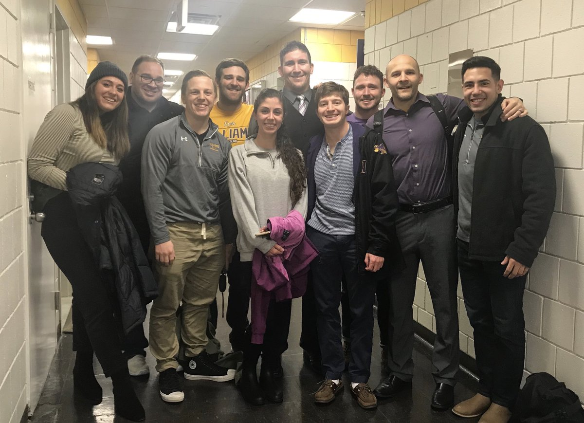 One of my favorite things about competing in NYC is all the ⁦@ephmatmen⁩ alums we have in the metro area.  Thanks for supporting us in our win at Hunter today.