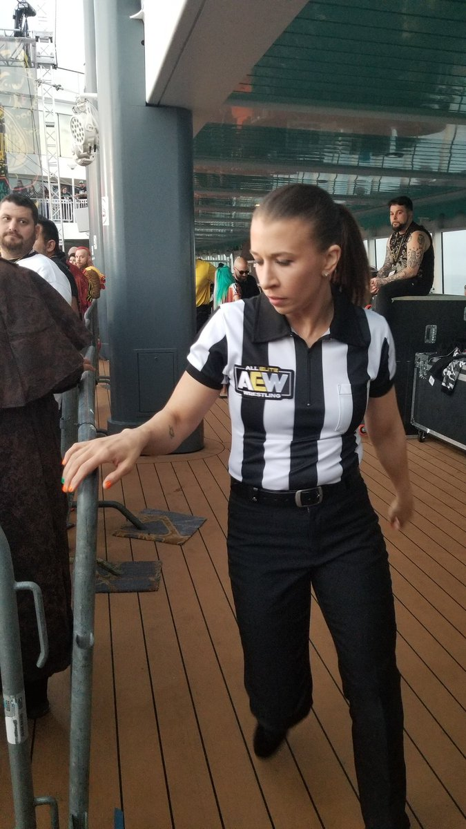 Not a great pic sorry @RefAubrey But it's the only one I had and you were fn amazing all cruise. The humor, the smiles, there has NEVER been a more OVER ref in history. Respect. #JerichoCruisepic.twitter.com/i531jM0wGN