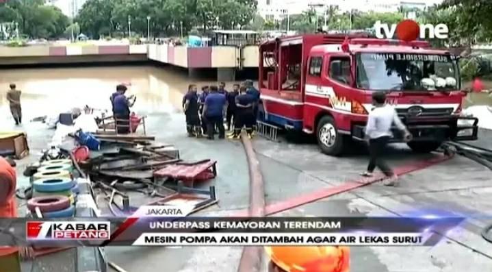 Underpass Kemayoran Banjir, Basuki: Desain Jalan akan Dievaluasi https://bit.ly/2NXotWo. Dapatkan video berita lainnya di YouTube channel tvOneNews. #tvOneNews
