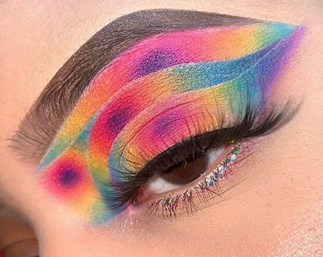 @diazg_l has us seeing DOUBLE RAINBOWSThis eyeshadow look features our colorful Karity matte palette TAP TO SHOP $29 . . . #mua #makeup #rainbow #rainbowmakeup #rainboweyeshadow #tieddyemakeup #tiedye #tiedyelife #eyeshadow #eyeshadowtutorial #eyeshadowlooks #eyes…pic.twitter.com/6o2egFR1AN