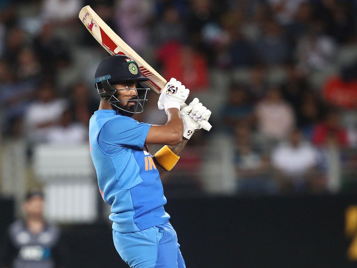 #NZvIND #NZvsIND | 2nd T20I@klrahul11, @imjadeja help #TeamIndia register 7-wicket win against @BLACKCAPS Report 👉http://toi.in/xjxiVY/a24gk