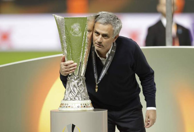 Happy Birthday to the greatest Coach in the World Jose Mourinho .