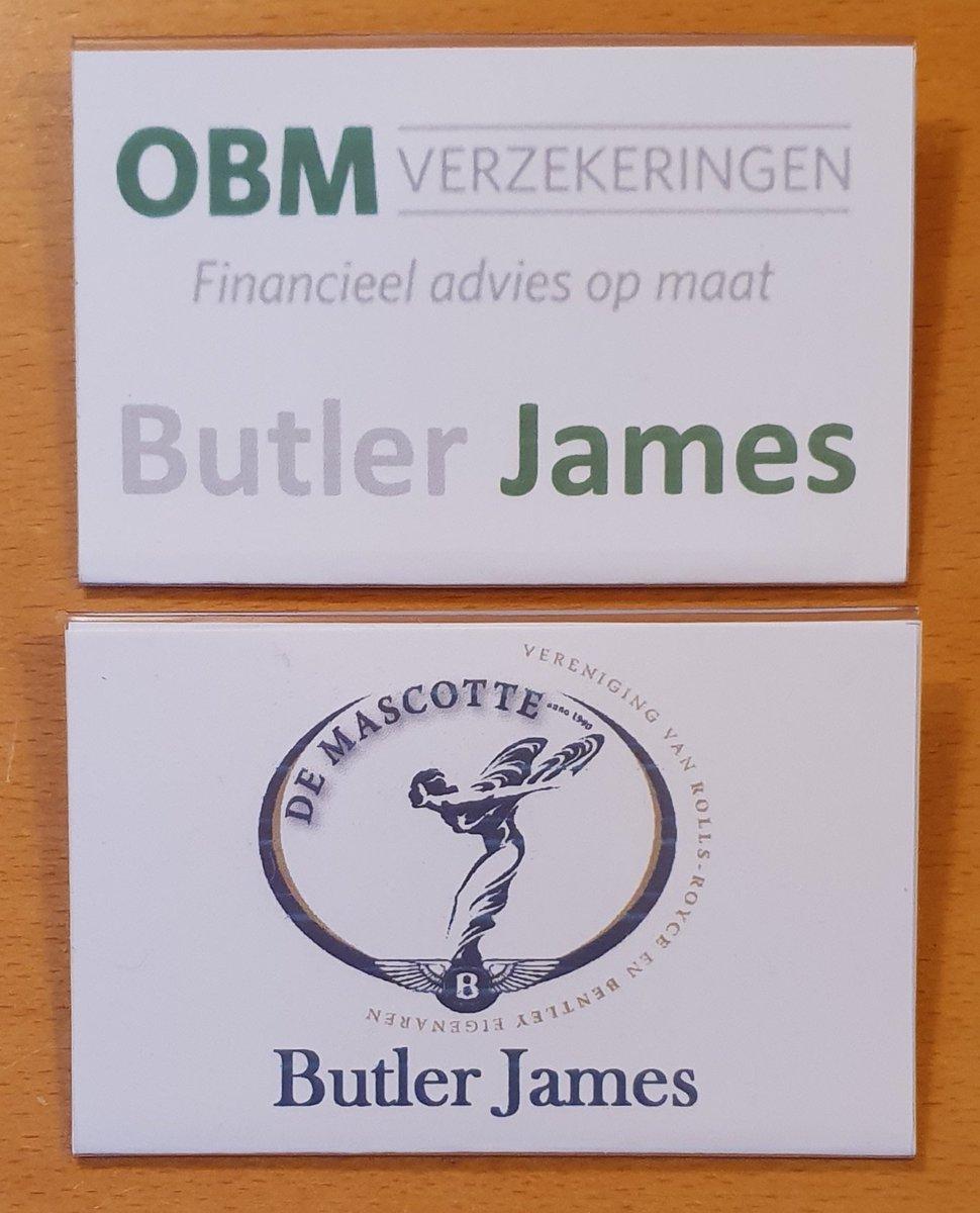Een #Butler past niet alleen zichzelf aan aan de situatie waarin hij zich bevindt maar ook zijn naambadges. Zoals woensdag j.l. voor #OBMverzekeringen en vanmiddag voor #DeMascotte, de vereniging van #RollsRoyce en #Bentley eigenaren.