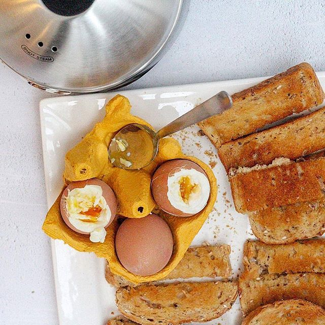Boiled egg and soldiers are the perfect weekend treat 😋