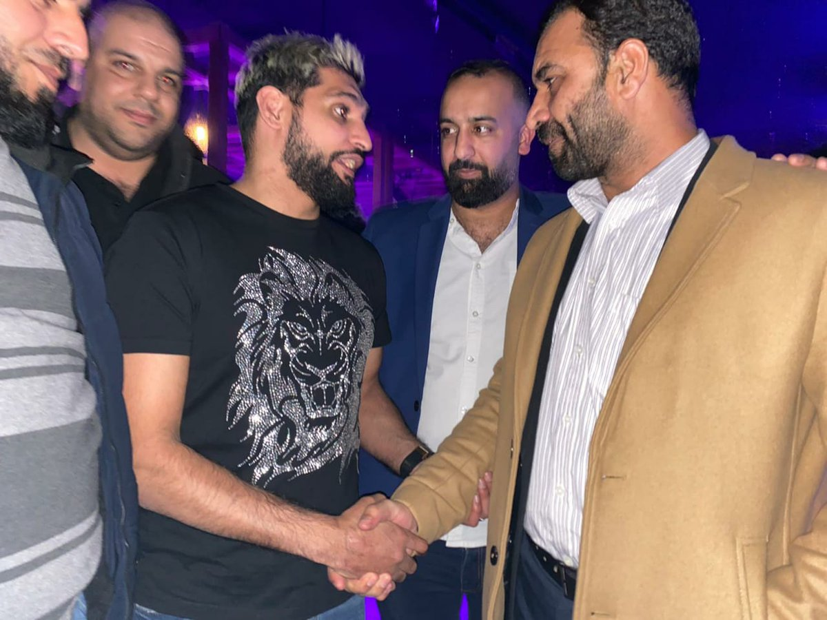Pleasure meeting Boxer Amir Khan in Birmingham. AK expressed his desire to play a role in promoting boxing in KP. Discussed furthering / promoting sports in KP. Invited him to visit KP, KP govt (CM KP) will support him in this regard as youth of KP has huge potential in sports. pic.twitter.com/vTNTli1g8G