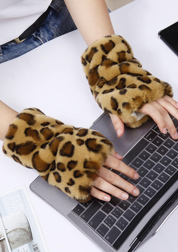 Leopard Printed Faux Fur Warm Fingerless Gloves Mittens $4.99 https://lite.lc/zPNK_  #fashion #shoppingdress #dressy #manclothing #manclothes #clothesph  #dressshopping #fashiondress #casual  #boutique  #dress #clothes #clothing #outfit  #tunick  #dressforsale #ValentinesDaypic.twitter.com/BGylM6tSw2