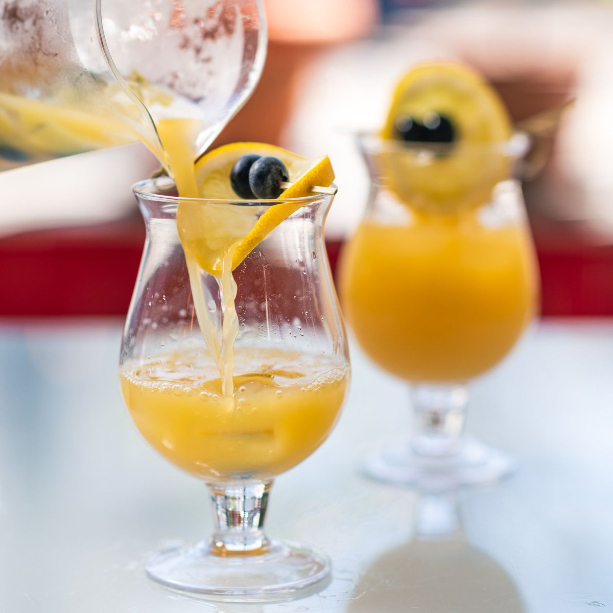 In the mood for #daydrinks? The #brunchbar is open from 10 to 3! #sundayfunday #sundaybrunch #sindesserts #eatwicked #drinkwickedtoo #mimosas #pvd #rhodeislander #eatdrinkripic.twitter.com/AW4HpurWFH
