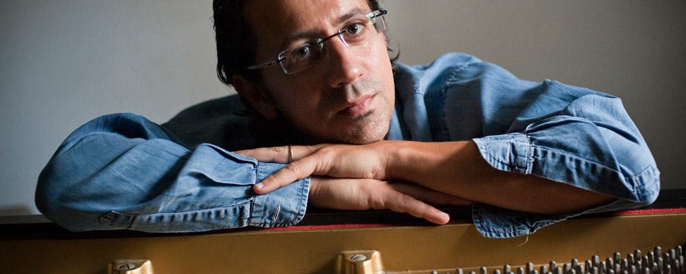 Rendez-vous à 16h au Shed pour le concert de Bruno Angelini en piano solo : on vous attend ! Billetterie sur place, quelques belles bières également, un chouette dimanche après-midi ! https://urlz.fr/bCAP  #reims #reimscity #reimstourisme #jazzus #music #jazzmusicpic.twitter.com/MvLz8u40Xk
