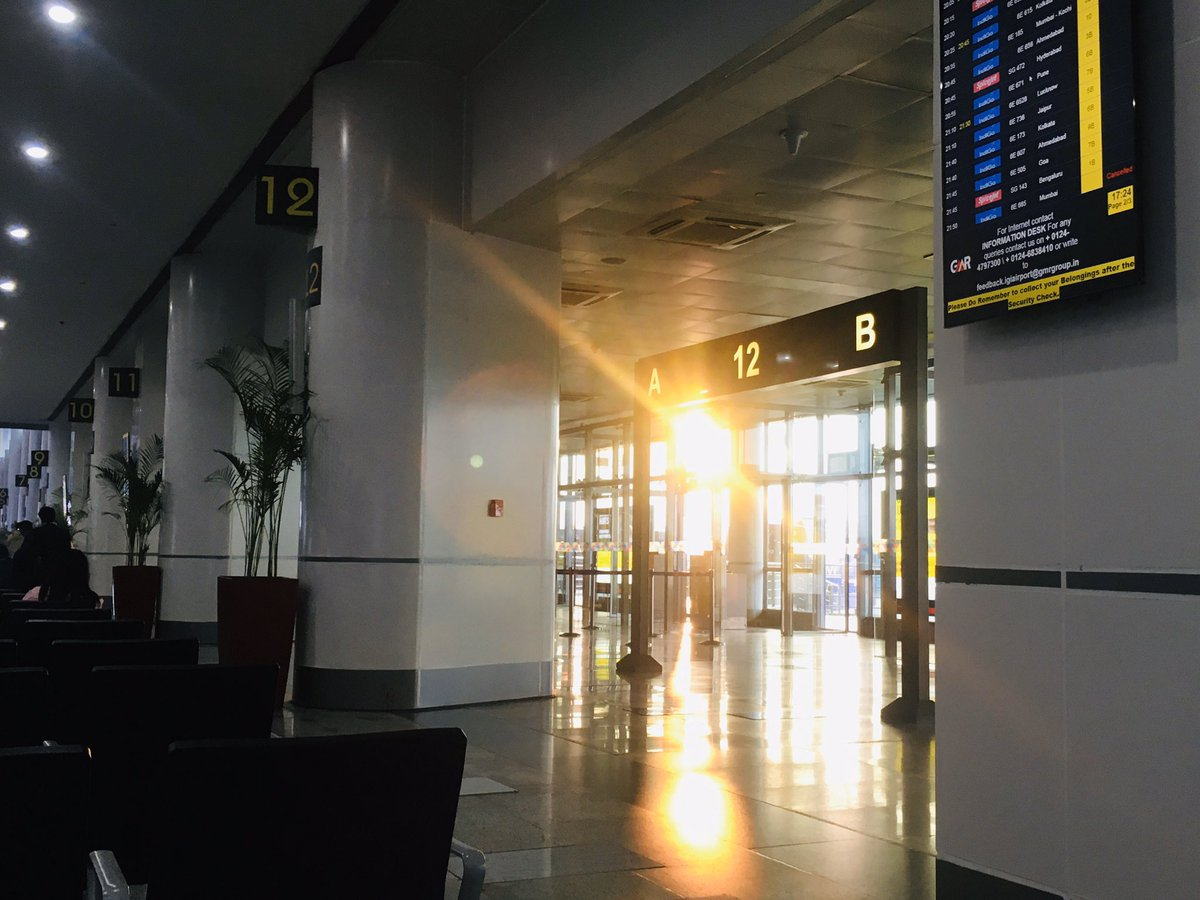 Sunset.,.No choice the #Sun wl come again in morning. Beautiful #sunset at #Delhi airport.