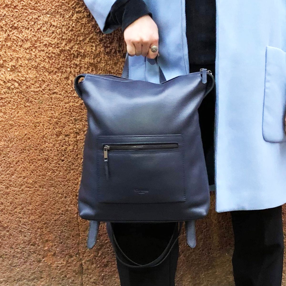 The MILLWALL Backpack in Navy #leather #handbags #fashion #london #genuineleather #womensfashion #purse #vivano #style #clutch #wallet #bag #accessories #genuineleather #london #womenstyle #grey #smallleathergoods #womensfashion #grabbag #vivanolondon #workbag #Millwallpic.twitter.com/9ztK3NJEhU