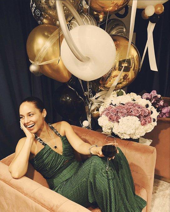 [ BIRTHDAY GIRL] Hier 25.01.2020 la chanteuse Alicia Keys a fêté ses 39 ans, happy birthday girl !