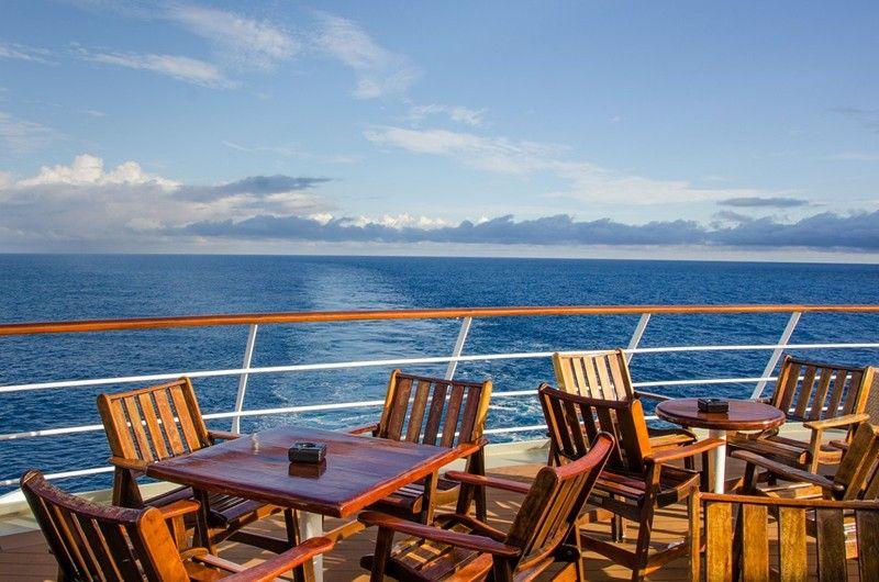 Ready for evening cocktails with a view. #Travel #Trip #Traveler #Traveladdict #Travellife  #TravelBug #TravelAwesome #TravelPic  #Traveldeeper #Travelmore #Explorer #Wanderer #Wanderlust #Cruise #CruiseAddict #Cruiselifepic.twitter.com/GaUjpnNxTR