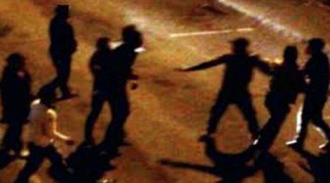 Maxi rissa in piazza Matteotti a Modica, giovani colpiti con spranghe di ferro - https://t.co/cUlxw4Jqye #blogsicilianotizie