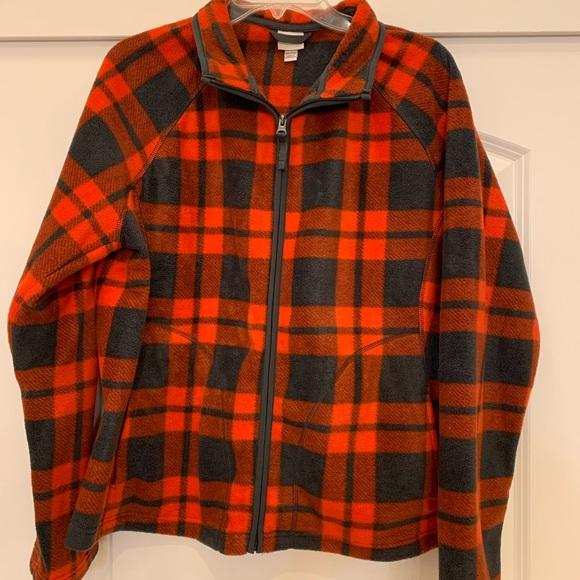 So good I had to share! Check out all the items I'm loving on @Poshmarkapp from @Julie_maxsmom #poshmark #fashion #style #shopmycloset #merona #betseyjohnson #charlottetilbury: https://posh.mk/OBkAgVWqg3pic.twitter.com/1prFrlROFB